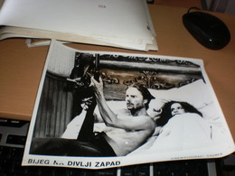Bijeg Na Divlji Zapad Photo - Cinema Advertisement