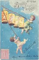 Cpa Fantaisie : Bonne Année, Enfants Angelots & Lampions ( Gaufrée ) - Fantaisies