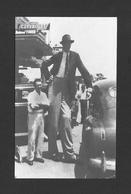 HUMOUR - INSOLITE - LE GÉANT ROBERT WADLOW  LE PLUS GRAND DU MONDE - IL EST DÉCÉDÉ À L'ÂGE DE 22 ANS 1918-1940 - Humour