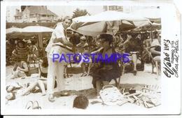 106352 ARGENTINA MAR DEL PLATA LA PLAYA COSTUMES SELLER VENDEDOR DE PINDAPOY YEAR 1963 CUT PHOTO NO POSTAL POSTCARD - Photographie
