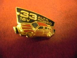 PIN'S AUTOMOBILE ALFA ROMEO 33 16V (1989 - 1995) 3° Série @ 26 Mm X 13 Mm - Alfa Romeo