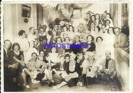 106357 ARGENTINA COSTUMES CARNIVAL CARNAVAL MULTI DESGUISE CIRCA 1920 17.5 X 12.5 CM CUT PHOTO NO POSTAL POSTCARD - Photographie