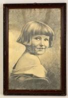 Jelzés Nélkül: Kislány Portré. Szén, Papír, üvegezett Keretben, 47×30 Cm - Ohne Zuordnung