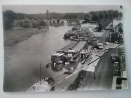 Bray Sur Seine      (peniche )schiffe Arken - Péniches