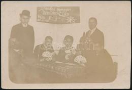 1930 Zsinolai Magyar Kraudaus-Club, Kártyázók, Fotólap, 8,5×12,5 Cm - Autres Collections