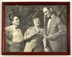 Cca 1960 Azonosítatlan Színészek, Nagyméretű Fotó, üvegezett Fa Keretben, 21,5×28,5 Cm - Autres Collections