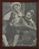 Cca 1960 Magyar Színészek, Köztük Latabár Kálmán (1902-1970), Nagyméretű Fotó, Fény-Szöv, üvegezett Fa Keretben, 29,5×21 - Autres Collections