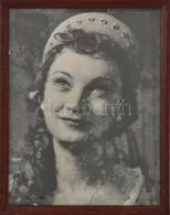 Cca 1960 Azonosítatlan Színésznő Portréja, Nagyméretű Fotó, üvegezett Fa Keretben, 28,5×21,5 Cm - Autres Collections