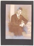 1924 Dührkoop: Férfiportré, Műtermi Vintage Felvétel, A Képmezőben Aláírva, 22x16 Cm - Autres Collections