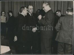 1941 A Magyarországi Némettanárok Konferenciája, Fotó Csépány Sándor Műterméből, Hátulján Feliratozva, Pecséttel Jelzett - Autres Collections