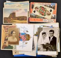 Vegyes Papírrégiség Tétel: Fotók, újságok Lapszámai, Képeslapok, Stb., érdekes, átnézésre érdemes Anyag - Non Classés