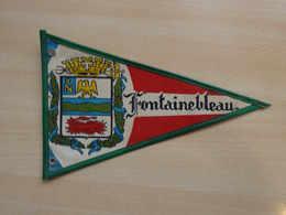 Fanion Touristique France FONTAINEBLEAU (vintage Années 60) - (Vaantje - Wimpel - Pennant - Banderin) - Obj. 'Souvenir De'