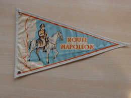 Fanion Touristique France ROUTE NAPOLEON (vintage Années 60) - (Vaantje - Wimpel - Pennant - Banderin) - Obj. 'Souvenir De'