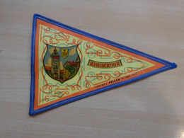 Fanion Touristique France RIQUEWIHR - ALSACE (vintage Années 60) - (Vaantje - Wimpel - Pennant - Banderin) - Obj. 'Remember Of'