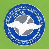 CHASSE ADCGE ASSOCIATION DE GIBIER D EAU DE SAONE ET LOIRE *  AUTOCOLLANT A1864 * - Stickers
