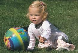 DP00616 - NETHERLANDS - DUTCH ROYALTY - PRINCESS AMALIA CP ORIGINAL ROYAL PRESS 216 - Familles Royales