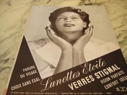ANCIENNE PUBLICITE AUX PORTEURS DE LUNETTES VERRE STIGMAL  1953 - Publicités
