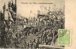 T2 Téhéran Les Fetes Constitutionnelles / A Perzsa Alkotmány ünnepi Menete Katonákkal / Celebration Of The Persian Const - Postcards