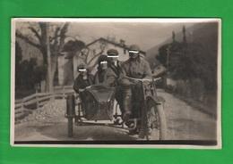 Sydecar Motorcycle Famiglia Italiana Viaggia Su Moto Bella Foto Di Posa Anni '10 - Moto