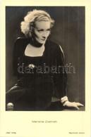 ** T1 Marlene Dietrich, German Actress. Ross Verlag 7292/1. - Ansichtskarten