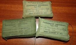 LOT DE 3 PANSEMENTS INDIVIDUELS FRANCAIS TYPE 1949 , FABRICANT FABRICANT ROYER GENAY AIN 1954 ET FROGER GOSSELIN CALVADO - Equipment