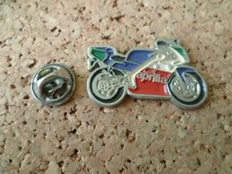 PIN'S    MOTO   APRILIA - Motos