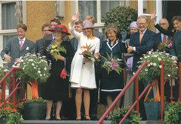 DP00628 - NETHERLANDS - DUTCH ROYALTY - QUEEN BEATRIX - ROYAL FAMILY CP ORIGINAL ROYAL PRESS 105 - Familles Royales