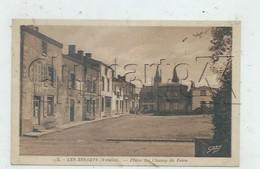 Les Essarts, Essarts En Bocage (83) : Le Café Pobin Place Du Champ De Foire En 1929 PF. - Les Essarts