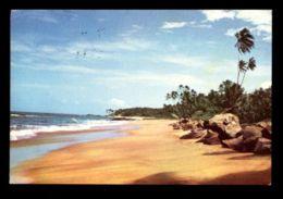 C498 SRI LANKA (CEYLON) - BERUWALA - BEACH SCENE - Sri Lanka (Ceylon)