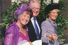 DP00645 - NETHERLANDS - DUTCH ROYALTY - PRINCESS IRENE AND MARGRIET MR. P. VAN VOLLENHOVEN - CP ORIG. ROYAL PRESS 343 - Familles Royales