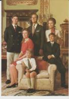 Postcard - Royalty -  The Royal Family At Buckingham Palace Card No.255 - Unused Very Good - Ansichtskarten