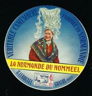 """étiquette Fromage Camembert Normandie """"la Normande Du Hommeel"""" G Lerouxel Gratot Manche """"femme Coiffe"""" - Fromage"""
