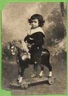 Portugal - REAL PHOTO - Menino Montando O Cavalo - Brinquedo - Toy - Jouet - Child - Enfant (fotografia Danificada) - Jeux Et Jouets