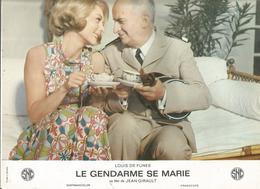 Affiche , 30 X 24.5 , Cinéma, LE GENDARME SE MARIE , Louis De Funes,2 Scans,frais Fr 2.45 E - Affiches