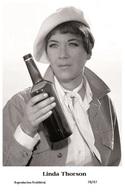 LINDA THORSON - Film Star Pin Up PHOTO POSTCARD - 78-47 Swiftsure Postcard - Künstler