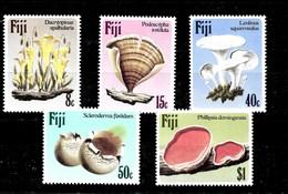 Serie De Fiji Nº Yvert 493/97 ** SETAS (MUSHROOMS) - Fiji (1970-...)