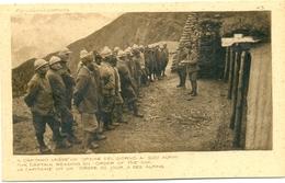Ufficiali Degli Alpini Legge L'ordine Del Giorno Ai Suoi Uomini - Guerra 1914-18