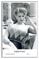 SOPHIA LOREN - Film Star Pin Up PHOTO POSTCARD - 20-34 Swiftsure Postcard - Artistas