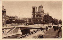 PARIS  -  NOTRE-DAME ET LE PETIT PONT - Notre Dame De Paris
