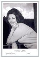 SOPHIA LOREN - Film Star Pin Up PHOTO POSTCARD - 20-19 Swiftsure Postcard - Artistas