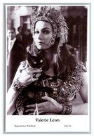 VALERIE LEON - Film Star Pin Up PHOTO POSTCARD - 338-21 Swiftsure Postcard - Künstler