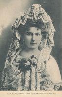 A M 188 /  C P A - ESPAGNE ROI REINE - S M LA REINA VICTORIA CON  MANTILLA ESPAGNOLA - Royal Families