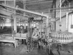 Remplissage Des Boîte De Lait Concentré   1926 - Non Classés