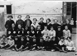 63 Plauzat  Groupe De Jeunes Filles (photo Scolaire) - France
