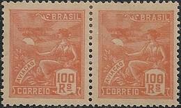 """BRAZIL - PAIR DEFINITIVES """"VOVÓ"""" (100 RÉIS, ORANGE, AVIATION) 1922 - MNH - Brazil"""