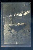 Cpa Carte Photo Bébé Dans Grande Poussette   YN52 - Portraits