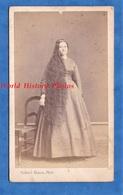Photo Ancienne CDV Vers 1866 1870 - TOURS - Portrait Femme Aux Longs Cheveux - Gabriel Blaise - Hair Coiffure Pose Mode - Photographs