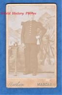 Photo CDV Vers 1900- MASCARA - Portrait Militaire Du 108e Régiment Voir Uniforme - Photographe Nathan - Colonial Algérie - Photos