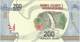 Madagascar 200 Ariary 2017 Pick 98 UNC - Madagascar