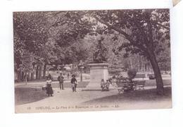 02 MOULINS La Place De La Republique Les Jardins - Moulins